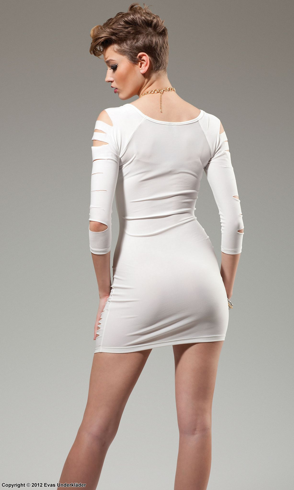 41310e111238 Långärmad klänning med snitt, vit